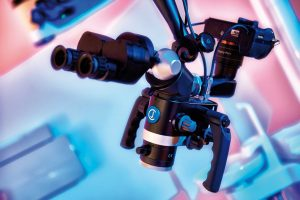 Microscopio CJ Optik para ondodoncias